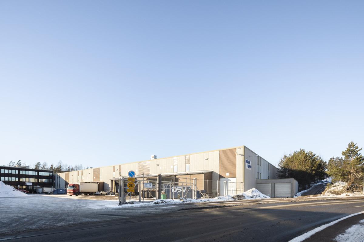 Varasto 6457 m², Pavintie 3-7